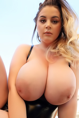 Holly Garner - Huge Boobs Pics 34J